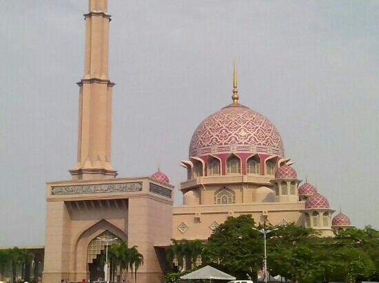National Mosque (Masjid Negara): 国家清真寺