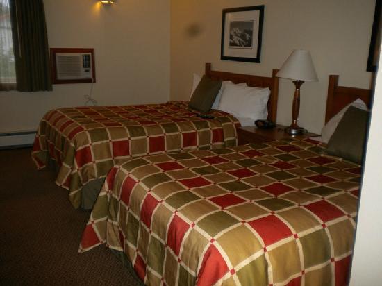 Best Western Plus Edgewater Hotel: 4