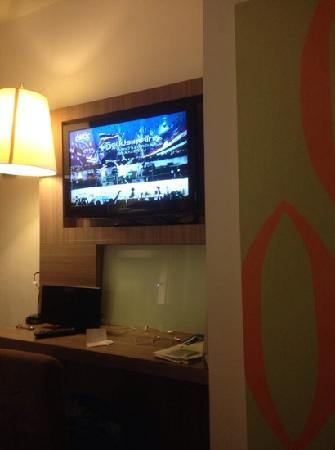 Novotel Bangkok Fenix Silom: 房间