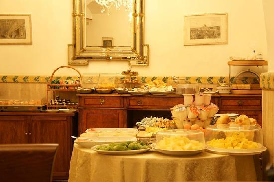 Villa San Lorenzo Maria Hotel: 早餐