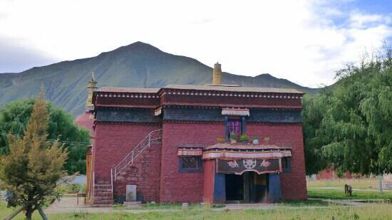 Paxia Monastery: 帕夏寺的一个小殿