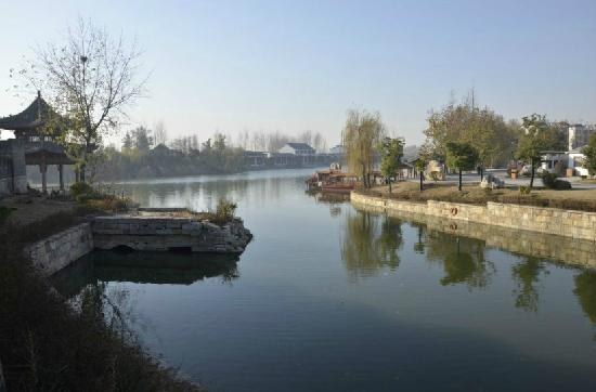 The Ancient City of Tai'er'zhuang: 17