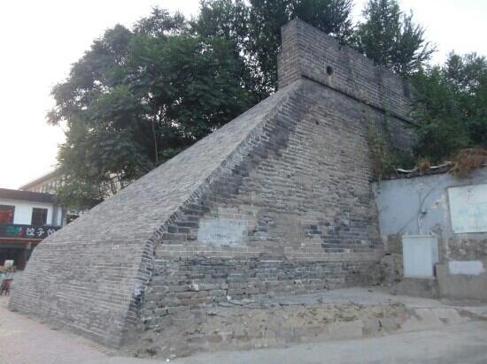 Kaifeng City Wall : 开封城墙东段