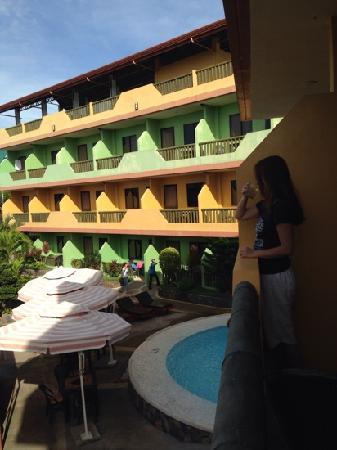 Lost Horizon Dive Resort Annex: 酒店阳台