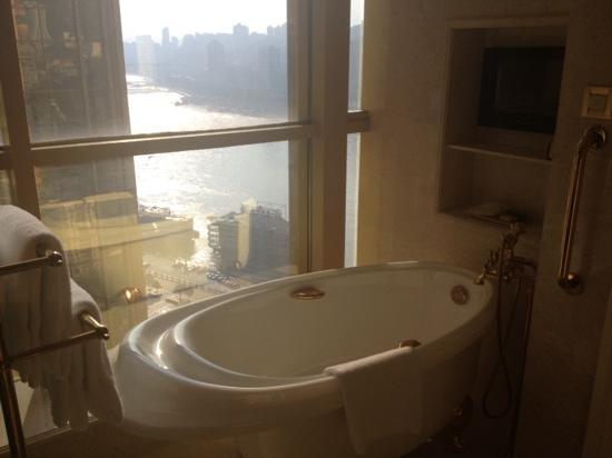 Sheraton Chongqing Hotel : 土豪金酒店