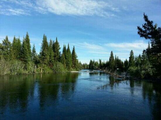 Yellowstone Lake: 幽静的黄石湖