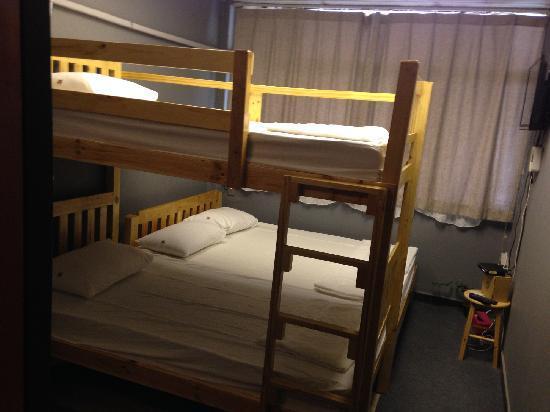 iDeer Hostel Bangkok: 干净舒适的大床,也可以4人住,虽然我只住了2个人