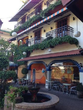 Florentina Homes Apartment Hotel: 主楼