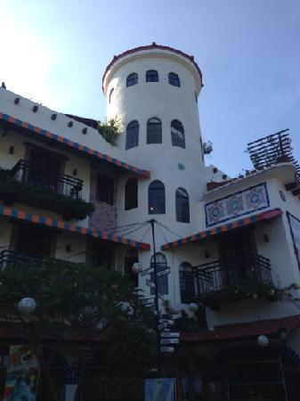 Florentina Homes Apartment Hotel: 最上边是tower room