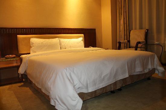 Zhangyuan Hotel: 大床房