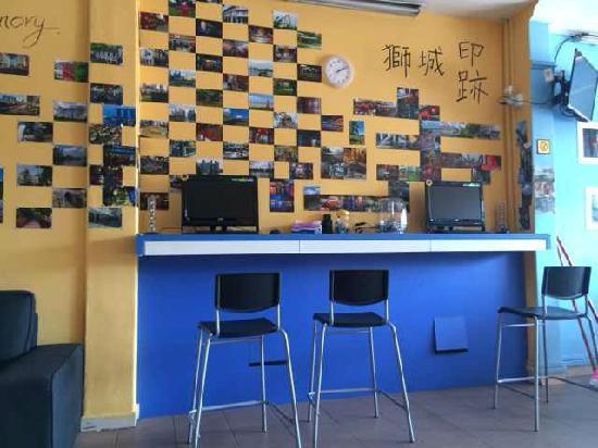 Joyfor Singapore: photo wall
