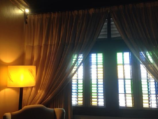 Campbell House: 房间内部的百叶窗