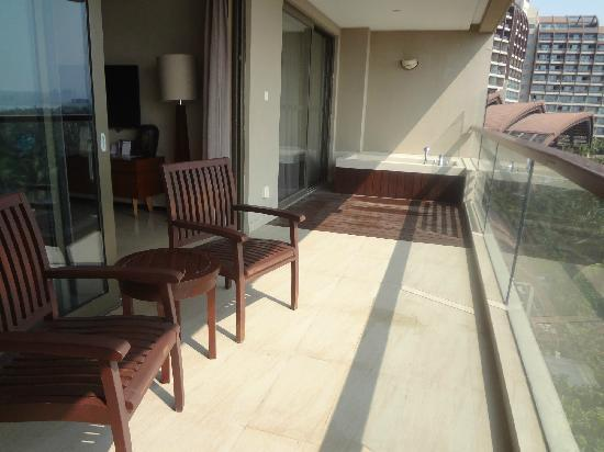 Pullman Oceanview Sanya Bay Resort & Spa: 阳台