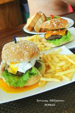Boracay Beach Club: 汉堡