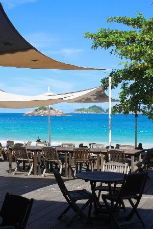 Laguna Redang Island Resort: 海滩, 室外酒吧