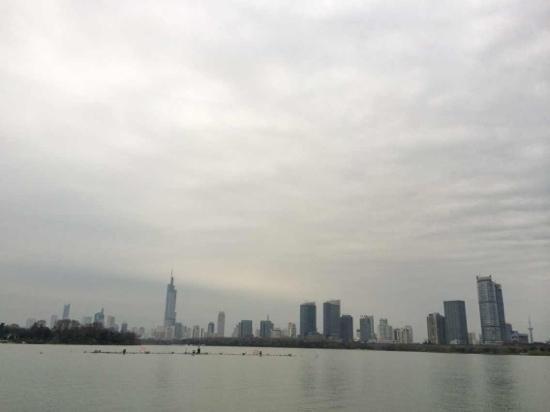 OCT East Shenzhen: 江景