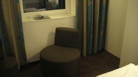 Motel One Hamburg-Alster: 椅子