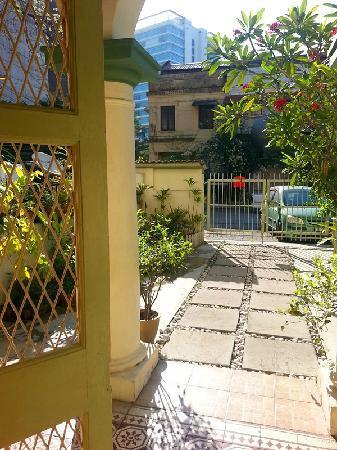 Sarang Galloway Bed & Breakfast: sarang mas 的院子