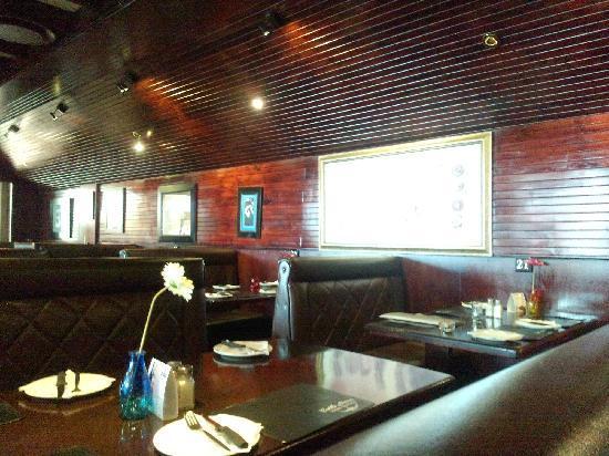 Cattle Baron : 餐厅的吸烟区