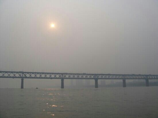 Wuhan Yangtze River Bridge: 长江落日