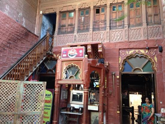 JHANKAR..Choti Haveli Restaurant: 环境不错
