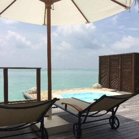 Conrad Maldives Rangali Island : 豪水陽台汽泡池