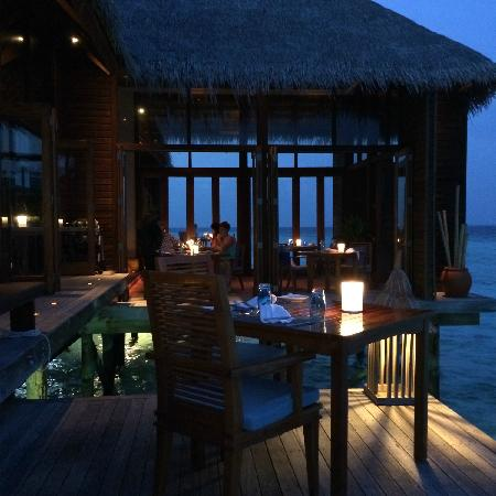 Conrad Maldives Rangali Island : mandhoo spa restaurant