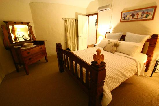 BayView Guesthouse: room