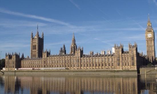 Cámaras del Parlamento: 英国国会大厦