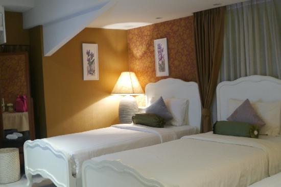 At Pingnakorn Hotel Chiangmai: 三人间房景1
