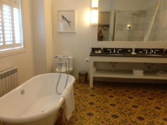 Moganshan, Le Passage Mohkan Shan : 复古浴缸