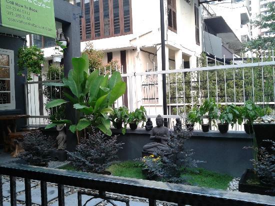 V'la Court Hotel: 酒店景色