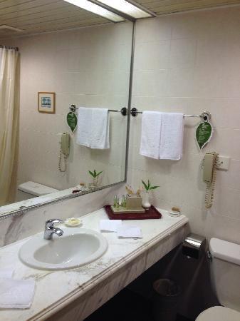 Mason Hotel Shanghai: 卫生间
