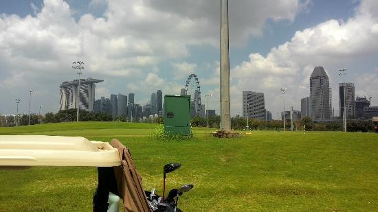 Marina Bay Golf Course: 临近繁华地带