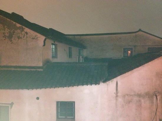 Shantang Street: 二楼拍的