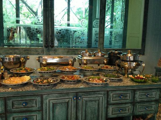At Pingnakorn Hotel Chiangmai: 早餐