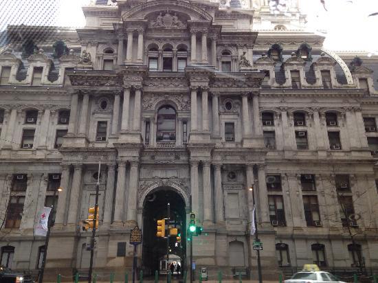City Hall: 市政厅