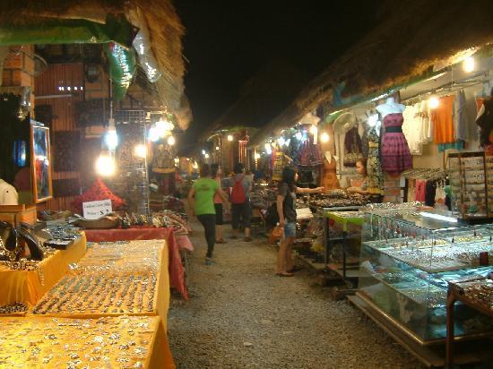 Angkor Night Market : 1