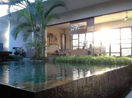 Tegal Sari: villa进门一览