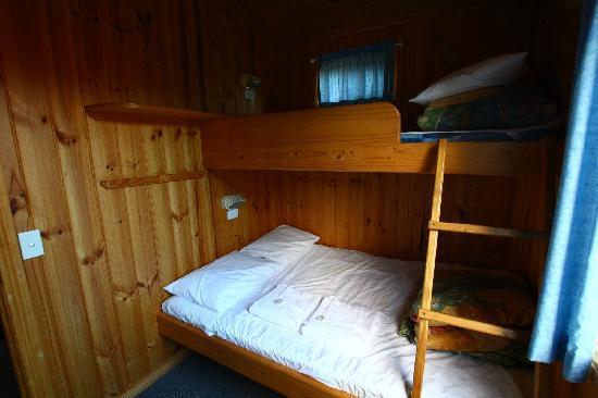 Bicheno East Coast Holiday Park: bedroom