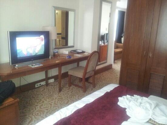 Hotel Menara Peninsula: 高级大床房