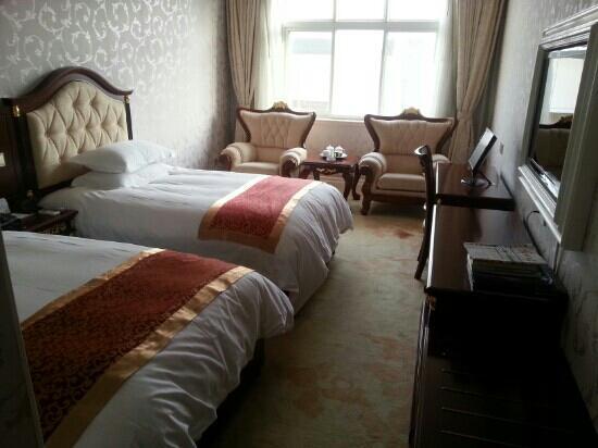 Jinxiu Hotel: 土豪风格的房间