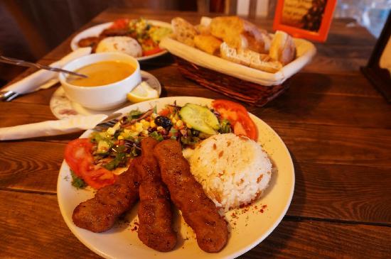 Cafe Safak: Adana Kebab非常可口