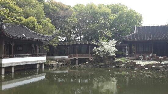 Beisita: 北寺塔的附属庭院,安静幽谧