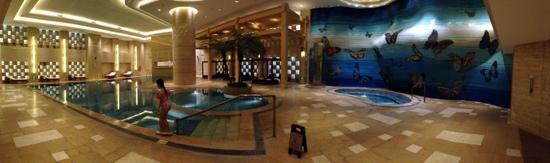 Guangzhou Marriott Hotel Tianhe : 泳池