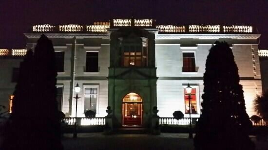 Radisson Blu St. Helen's Hotel, Dublin: night view