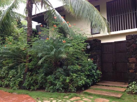 Yalong Bay Villas & Spa: 外景