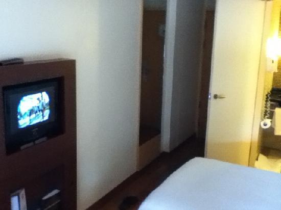 ibis Bangkok Sathorn: 酒店房间