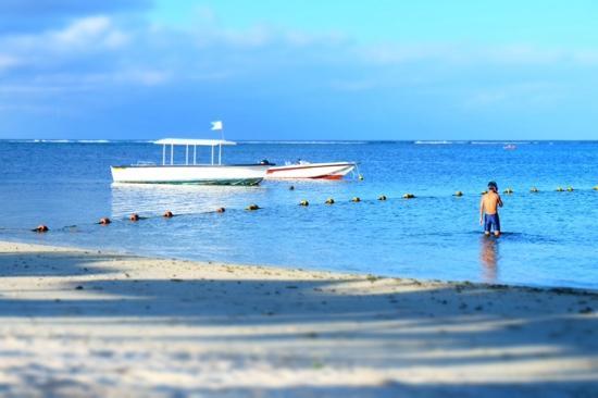Long Beach Mauritius: 我在长滩浮潜的背影