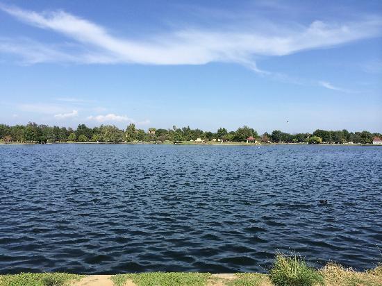 Lake Balboa Park : 漂亮的公园,太大了走起来好辛苦